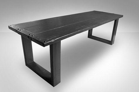 Eettafel 'RAW' in zwart   Te koop by w00tdesign (steigerhout)