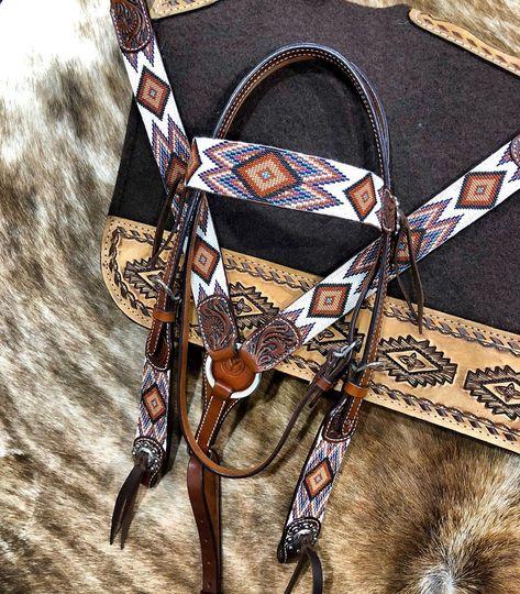 Beautiful Beaded Tack For Horse & Rider - My Equestrian Love ❤️ - Horse Gear, My Horse, Horse Riding, Horse Tips, Western Horse Tack, Western Saddles, Barrel Racing Tack, Tack Sets, Horse Supplies
