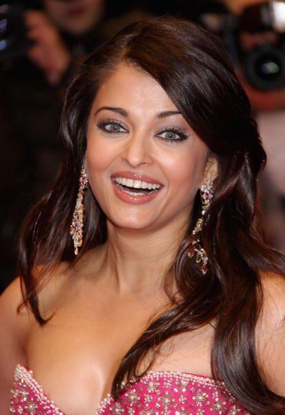 Actress Aishwarya Rai Bachchan Attends The Premiere For Pink Panther Actress Aishwarya Rai Aishwarya Rai Bachchan Aishwarya Rai