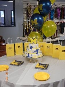University Of Michigan Party Decorations from i.pinimg.com