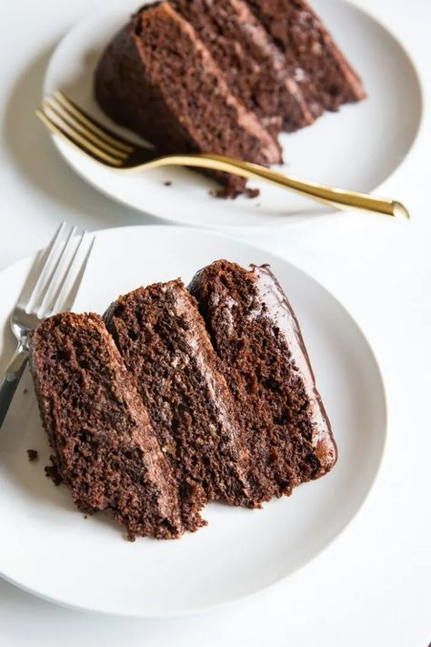Paleo Triple Chocolate Cake - This Paleo Triple Chocolate Cake is a triple-threat, death-by-chocolate rich and moist experience just fully loaded with chocolate decadence! #paleo #chocolatecake #grainfree #glutenfree #dairyfree