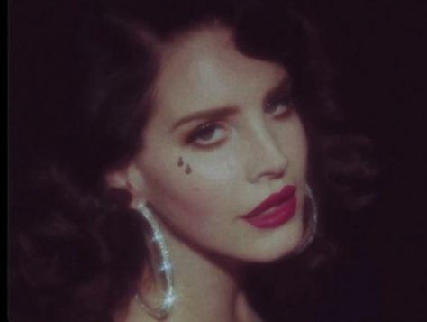 Watch Lana Del Rey's