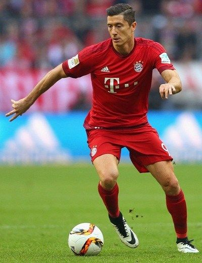 Robert Lewandowski Height Weight Stats Robert Lewandowski Lewandowski Height And Weight