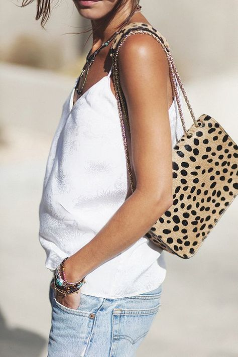 10 Cool Ways to Wear Leopard Print - This edgy fashion trend + style tips is guaranteed to turn heads in 2020 | celebrity style | street style