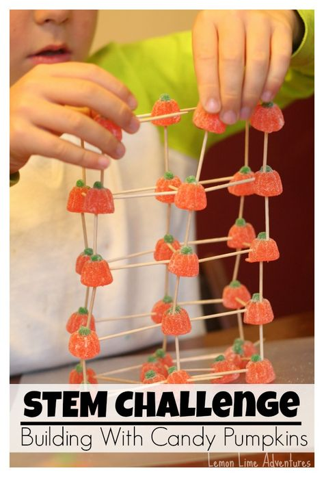 Stem Challenge: Building Structures with Candy Pumpkins. Projects for leftover Halloween candy! Or candy that is super on sale after Halloween. Halloween Class Party, Halloween Crafts, Halloween Games, Halloween Ideas, Kindergarten Halloween Party, Halloween Classroom Decorations, Halloween Party Activities, Halloween Science, Healthy Halloween