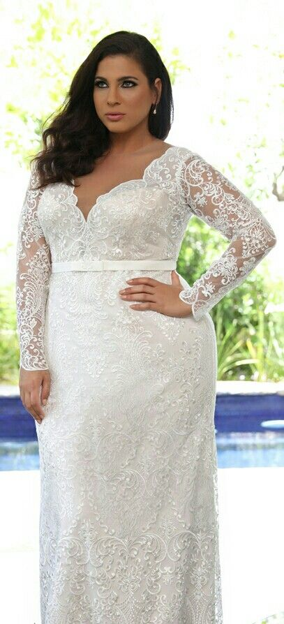 Plu Size Fitted Bridal Gown Made Of A Gentle Romantic Lace With Long Sleeves And A Simple Plain Belt Plus Size Wedding Gowns Wedding Dresses Plus Size Wedding