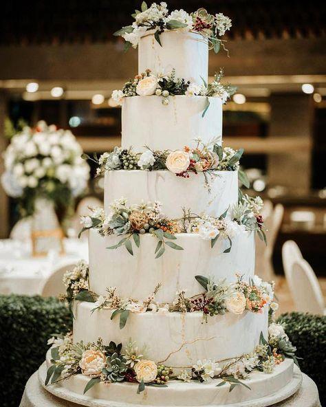 "LeNovelle Cake on Instagram: ""Modern Botanical Themed Wedding Cake with all the lovely elements : marble, succulents, berries and sugar flowers ������ #lenovelle…"" #weddingcakeselegant"