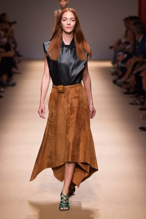 Salvatore Ferragamo Spring 2019 Ready-to-Wear collection, runway looks, beauty, models, and reviews.