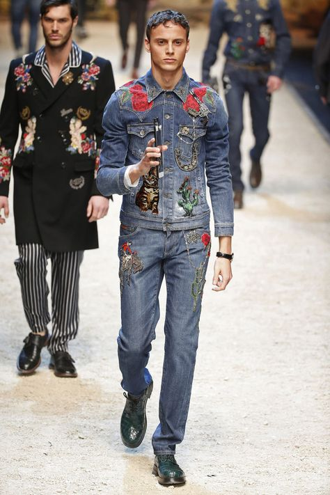 Dolce & Gabbana   Menswear - Autumn 2016   Look 48 - print on denim - embroidery - americana