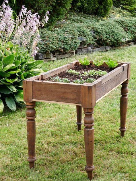Kleines Tisch Hochbeet Bauen Perfekt Fur Balkon Und Terrasse Mit Bildern Gemusehochbeet Hochbeet Erhohte Beete
