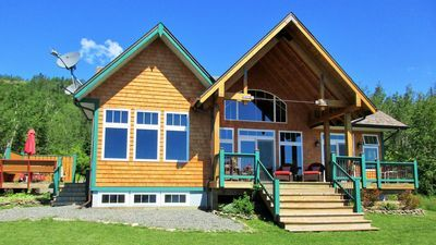 Magical Lake Superior Views From This 5 Star Cottage Upscale Experience Neebing Lake Superior Cottage Lake Vacation