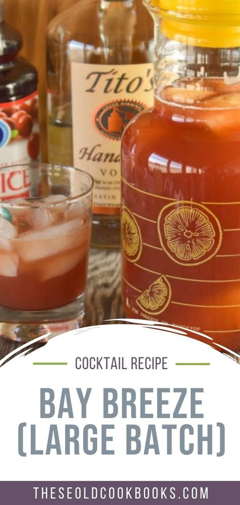 Easy Cocktails, Cocktail Recipes, Drink Recipes, Bay Breeze Cocktail, Margarita Machine, Alcoholic Drinks, Beverages, Beach Meals, Cranberry Juice