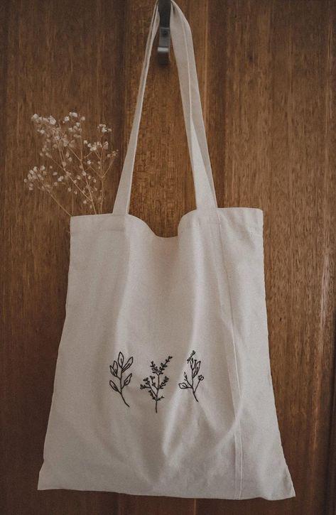 Diy Tote Bag, Tote Bags Handmade, Cute Tote Bags, Embroidery Bags, Cute Embroidery, Cotton Bag, Cotton Canvas, Canvas Tote Bags, Bag Design