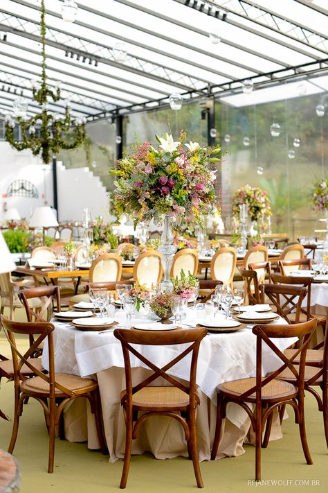 Decoração linda e romântica em tons de rosa e verde, casamento de