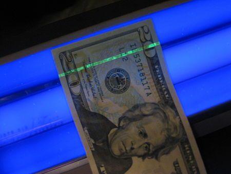 Counterfeit money Wikipedia | Black light, Money, Dollar