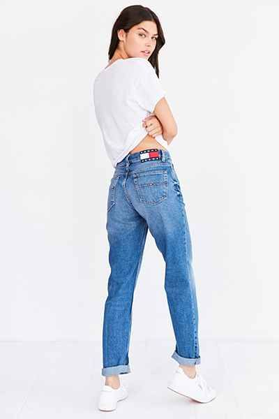 3f51189d57be3 Tommy Jeans For UO 90s Mid-Rise Mom Jean - Urban Outfitters