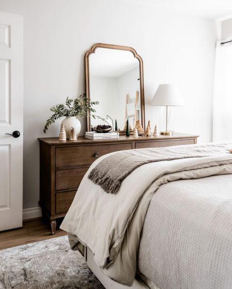 Guest Bedroom Decor, Master Bedroom Interior, Bedroom Wall Colors, Bedroom Inspo, Bedroom Sets, Dream Bedroom, Home Bedroom, Guest Rooms, Bedroom Fun