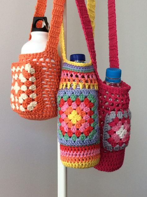 41 new ideas crochet free pattern bag bottle holders Crochet For Kids, Crochet Baby, Free Crochet, Knit Crochet, Crochet Purse Patterns, Crochet Purses, Knitting Patterns, Bottle Holders, Crochet Accessories