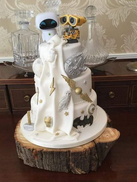 Scrap that her latest cake makes the last one look pretty poor in comparison! Wedding Day Wedding Planner Your Big Day Weddings Wedding Dresses Wedding bells Marvel Wedding, Star Wars Wedding, Geek Wedding, 1920s Wedding, Wedding Ideas, Dream Wedding, Crazy Cakes, Fancy Cakes, Cute Cakes