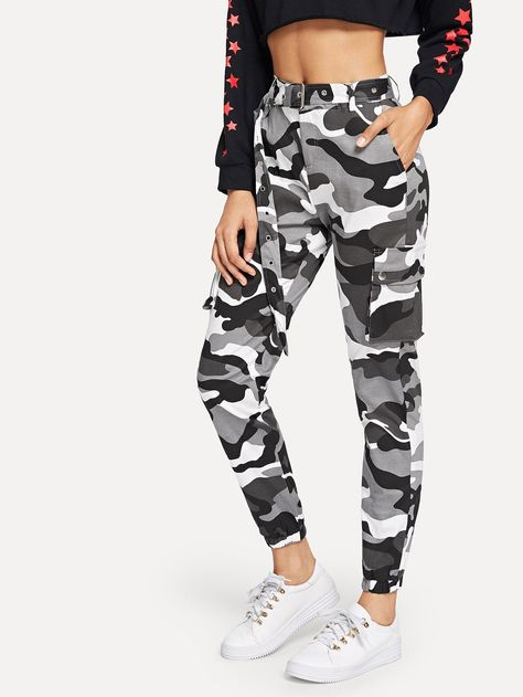 Casual Camouflage Tapered/Carrot Regular Zipper Fly Mid Waist Multicolor Crop Length Camo Print Ring Detail Belted Utility Pants with Belt