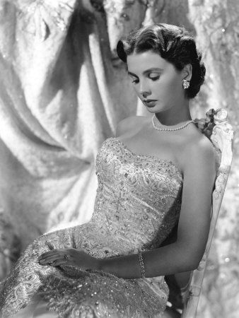 Jean Simmons in a lovely dress