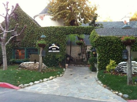 94th Aero Squadron Restaurant - 16320 Raymer St, Van Nuys CA, adjacent to Van Nuys Airport, the busiest general aviation airport in the U.S..