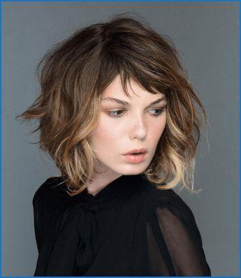 Pin Von Ina Maria Winter Auf Frisur In 2020 Frisuren Mittellange Haare Bob Frisuren Bob Frisur