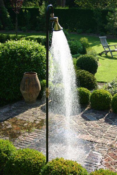 Steinterrasse Badefass Baum Garten Gestaltung zahradna vana - whirlpool im garten charme badetonne