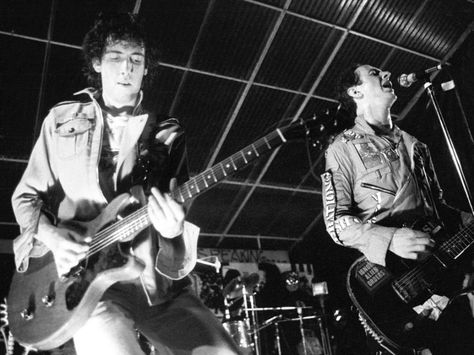 40 years ago, The Clash shattered punk orthodoxy and created a masterpiece with London Calling