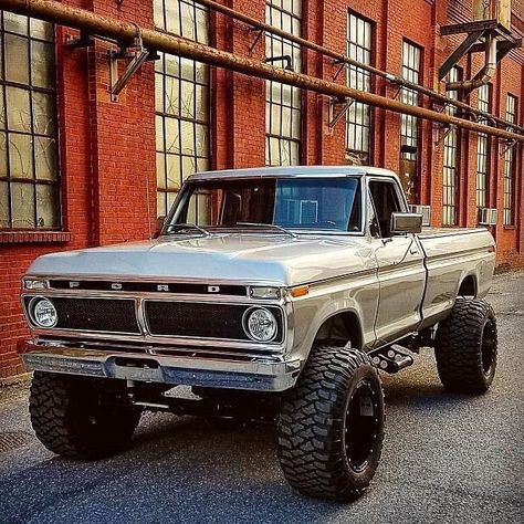 Make your Old Ford Truck Look Modern - Tips and Ideas. Easy modifications for old Ford trucks. Custom Ford Trucks, Ford Trucks For Sale, Classic Pickup Trucks, Old Pickup Trucks, Lifted Ford Trucks, 4x4 Trucks, Ford Diesel Trucks, 1979 Ford Truck, Cool Trucks