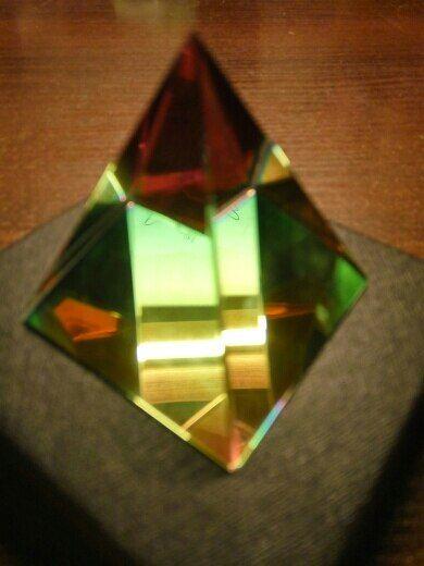HD 2'' Egyptian Crystal Pyramid Home Decor Energy Healing Feng Shui