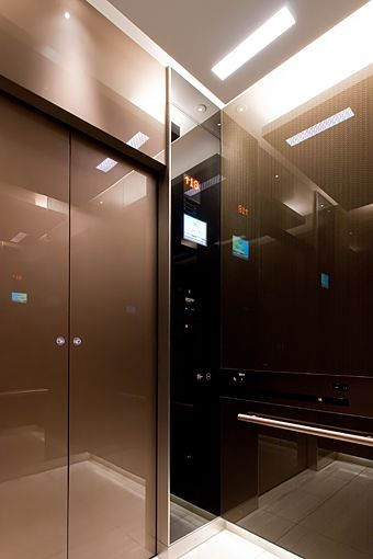 設置に維持費 いくらかかる ホームエレベーター 三和建設の