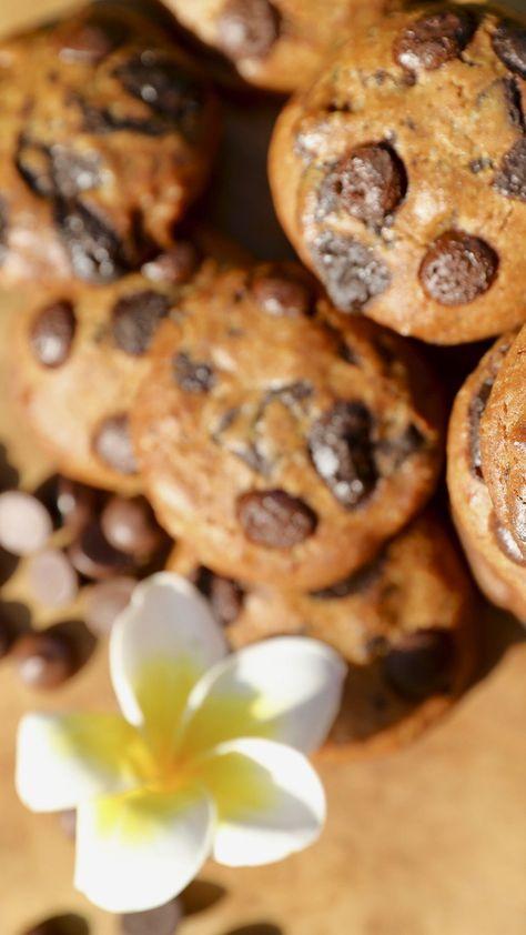 Today is #ChocolateChipDay! #GreatExcuse . #goodexcuse #homemade #chocolatechip #chocolate #sweets #cookie #cookies #chocolatechipcookies #chocolatechips #nationalchocolatechipday #nationalchocolatechipcookieday #chocolatechipday #homemade #warmcookies #warmcookie #warmcookies #bakerystylecookies #lombokcookies #lombokdelights #thelomboklodge