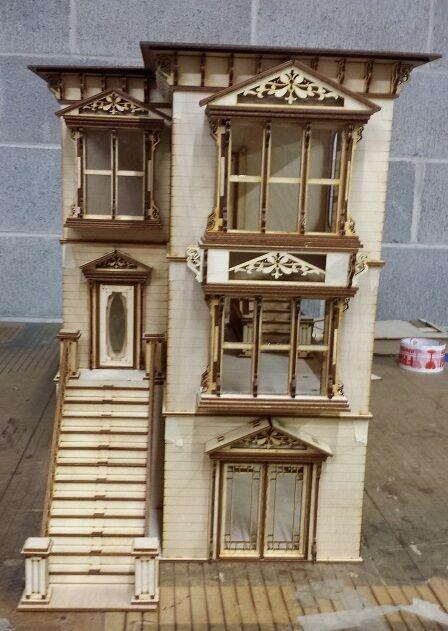 Lisa Painted Lady San Francisco w// garage 1:24 scale Dollhouse