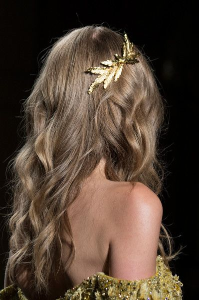 Find tips and tricks, amazing ideas for Tony ward. Discover and try out new things about Tony ward site Tony Ward, Hair Inspo, Hair Inspiration, Fashion Inspiration, Cute Hairstyles, Wedding Hairstyles, Runway Hair, Make Up Braut, Braut Make-up