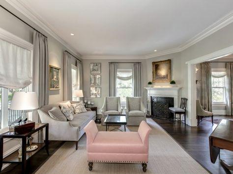 wohnzimmer-weiß-ledersofa-design-klassiker-barock-spiegelrahmen - wohnzimmer weis gold