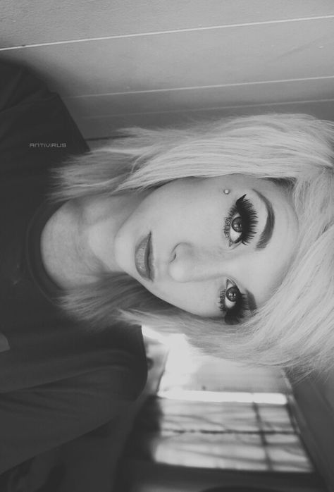 Eventually want my hair like this, gahh hurry up and grow D: