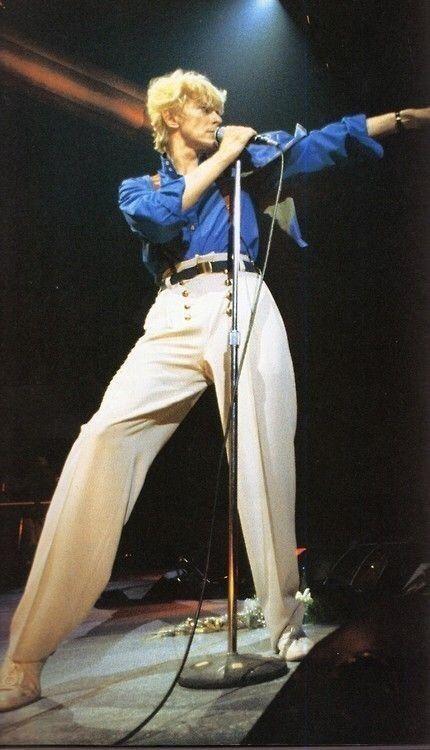 David Bowie on his Serious Moonlight Tour Major Tom, Iggy Pop, Martin Scorsese, The Script, Freddie Mercury, Pulp Fiction, Gentleman, Bowie Starman, Poster Print