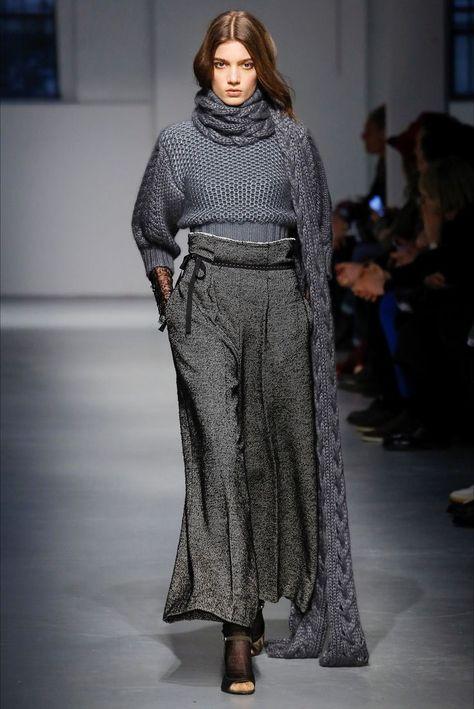 78cdec221d Sfilata Agnona Milano - Collezioni Autunno Inverno 2017-18 - Vogue