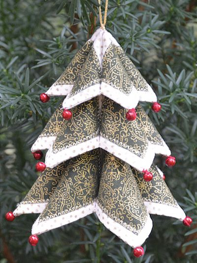 Craftdrawer Crafts How To Make A Fold N Stitch Christmas Tree And Wre Fabric Christmas Ornaments Fabric Christmas Trees Quilted Christmas Ornaments