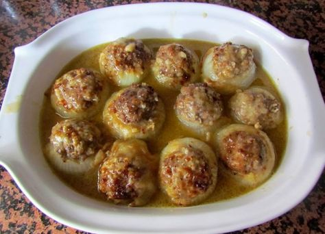 Cebollas Rellenas :http://www.recetasjudias.com/cebollas-rellenas-2/