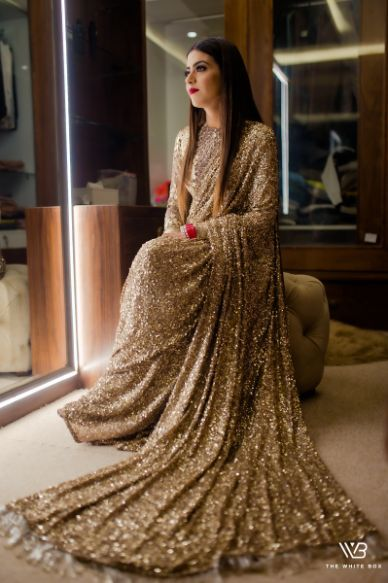 Sabyasachi Saree in Gold Sequins - Gorgeous Wedding In Ludhiana Bollywood Saree, Bollywood Fashion, Bollywood Outfits, Saree Fashion, Fashion Dresses, Sabyasachi Sarees Price, Sabyasachi Bride, Sabhyasachi Sarees, Wonder Woman