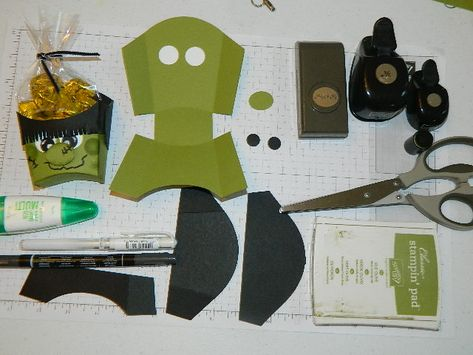 Frankie Fry Box! Made with Stampin' UP! Fry Box BigZ die.  Halloween