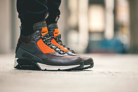 A Closer Look At The Nike Air Max 90 Sneakerboot SP Patch