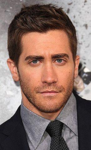 Men Hairstyles That Compliments Face Shape Jake Gyllenhaal Men S Haircut For Oblong Face Men Sha Oval Face Men Oblong Face Hairstyles Mens Hairstyles Short