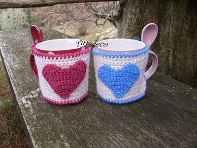 Copritazza a crochet San Valentino