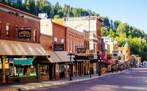 Best Small Towns in Each State —It would be so cool to try to visit each one o. - Best Small Towns in Each State —It would be so cool to try to visit each one of these towns! South Dakota Vacation, South Dakota Travel, Deadwood South Dakota, Small Town America, South America, Main Street, Small Towns, State Parks, Travel Destinations