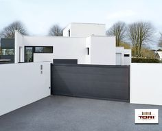Portail Coulissant Karantan Www Toriportails Be House Gate Design Sliding Gate Driveway Gate