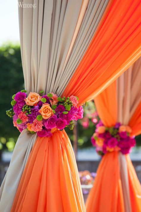 Vibrant orange and pink Indian wedding, with a touch of magenta - perfect indian wedding colors for a transitional summer to fall wedding or even a fall wedding; This fabric and floral mandap is also great for afusion wedding mandap Wedding Ceremony Ideas, Wedding Reception Flowers, Wedding Mandap, Fall Wedding Colors, Wedding Table, Wedding Bouquets, Reception Ideas, Indian Wedding Flowers, Spring Wedding