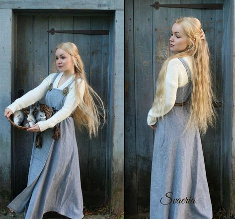 Herringbone wool viking apron dress - Herringbone wool viking apron dress Source by - Viking Dress, Viking Costume, Medieval Dress, Medieval Peasant Clothing, Renaissance Clothing, Linen Apron Dress, Linen Tunic, Linen Dresses, Vikings